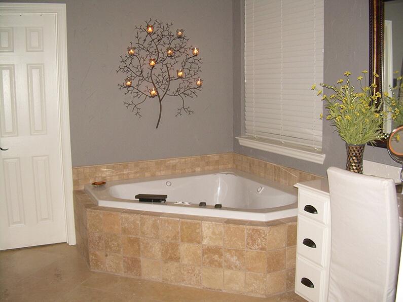 Master Bath 014