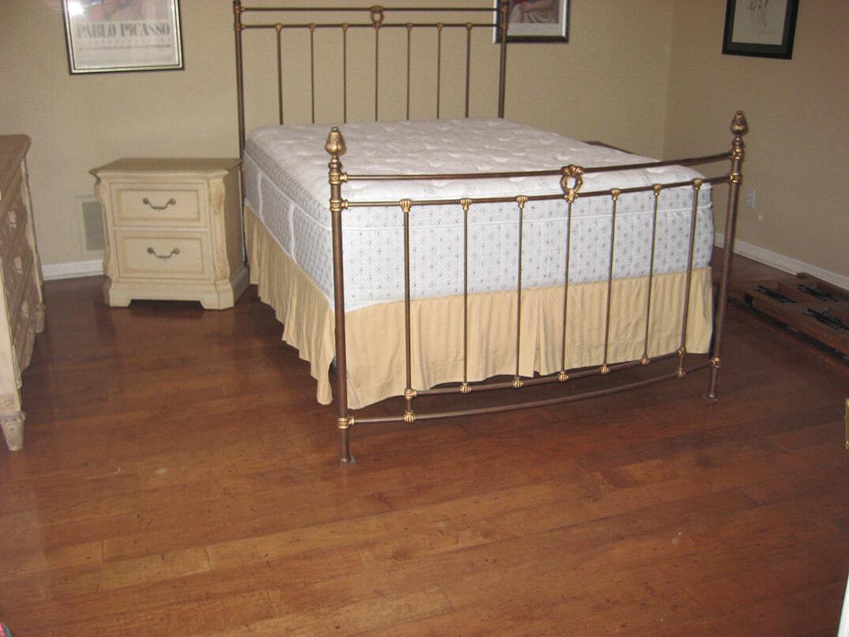 Bedroom Wood – Before